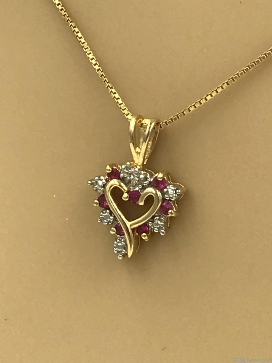 Valentines Day Necklace Craft