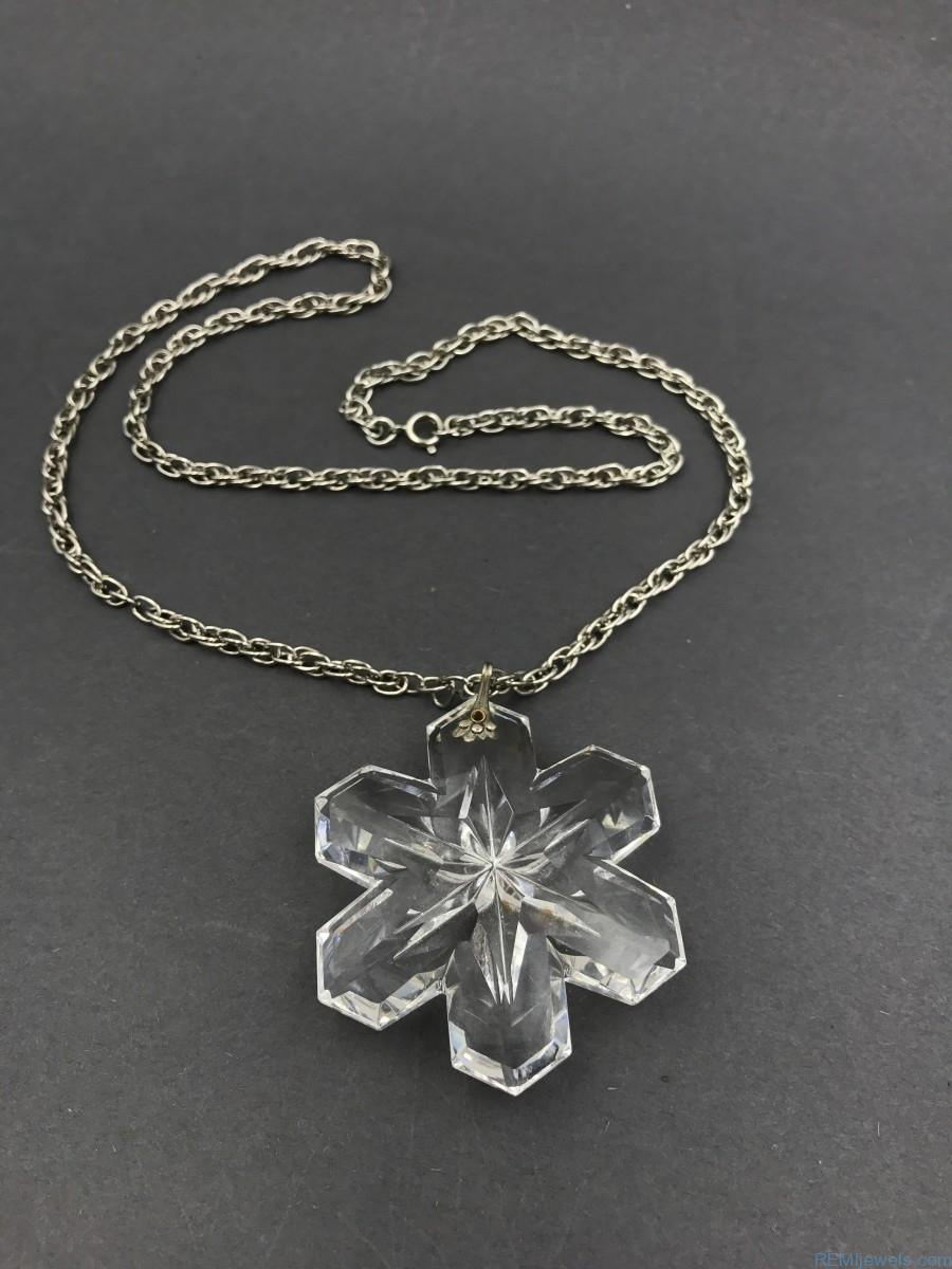 Zales Jewelry Necklaces >> 1975 Gorham Full Lead Crystal Christmas Snowflake Necklace
