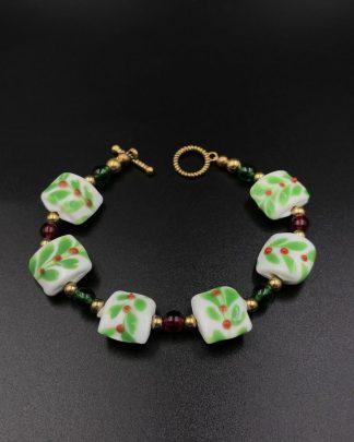Red Berries Vine Holiday Beaded Bracelet Bead Green Christmas Jewelry